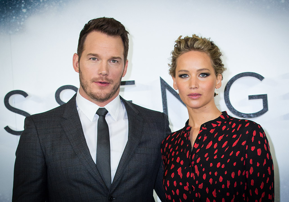 Chris Pratt Jennifer Lawrence Passengers UK Premiere red carpet StillMoving